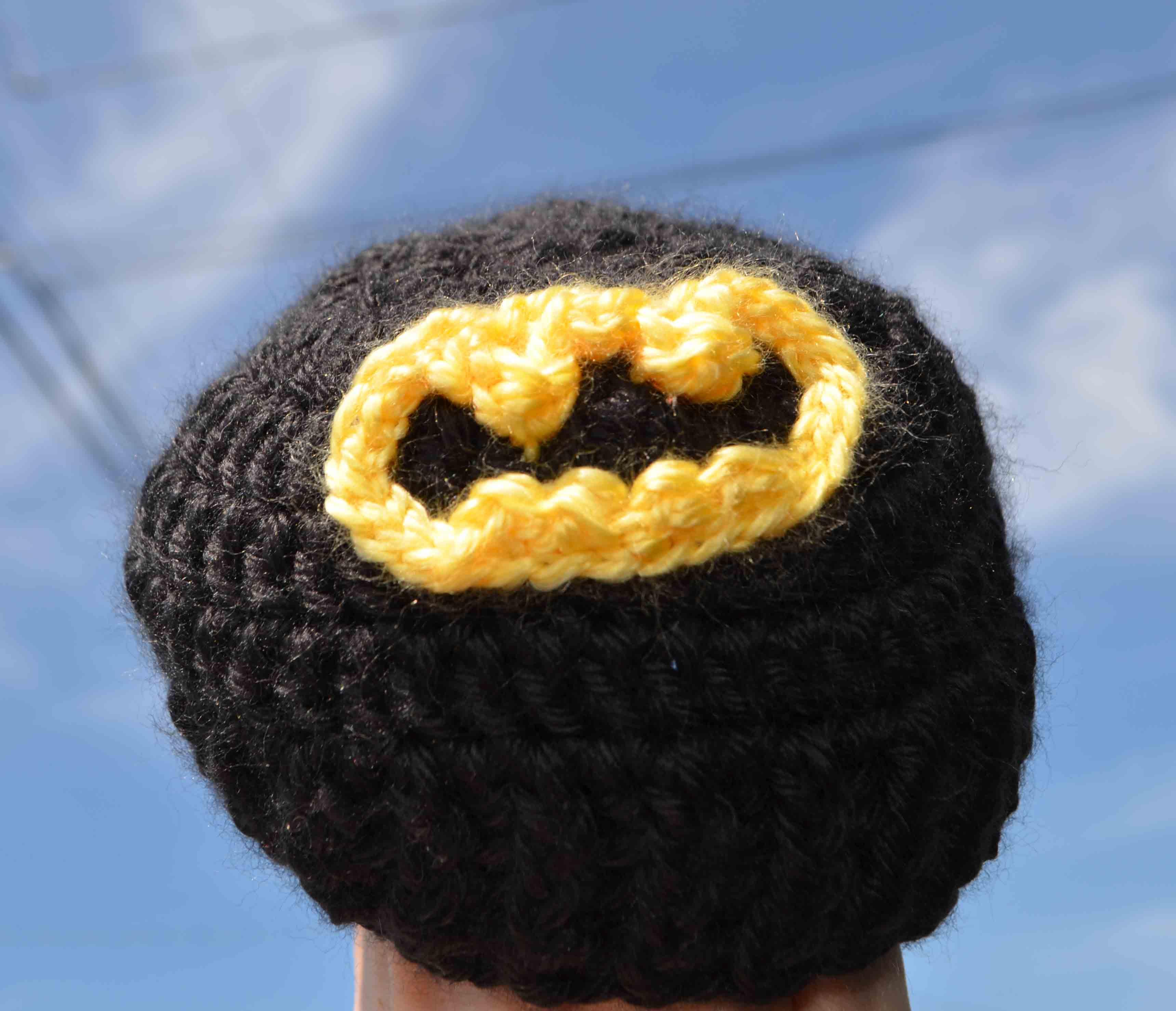 Worlds tiniest batman costume crochet baby beanie diy geekery batman baby beanie no ears dt1010fo
