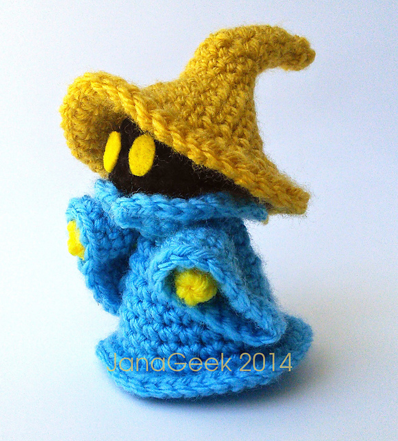 Musings of an Average Mom: Free Superhero Crochet Patterns | 640x578